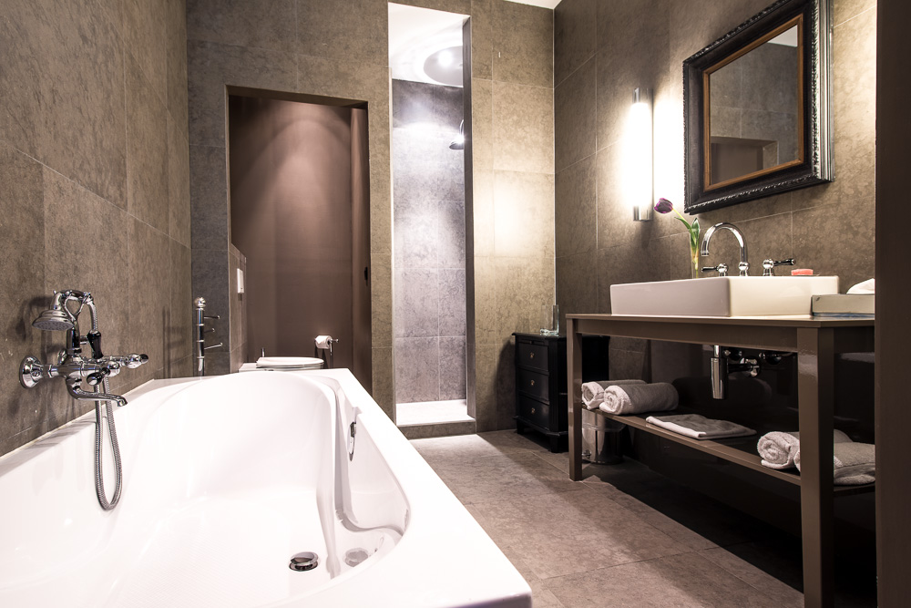 Bedrooms And Bathrooms Clarian Chalets